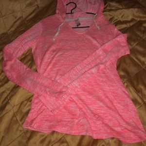 Thin sweater pull over